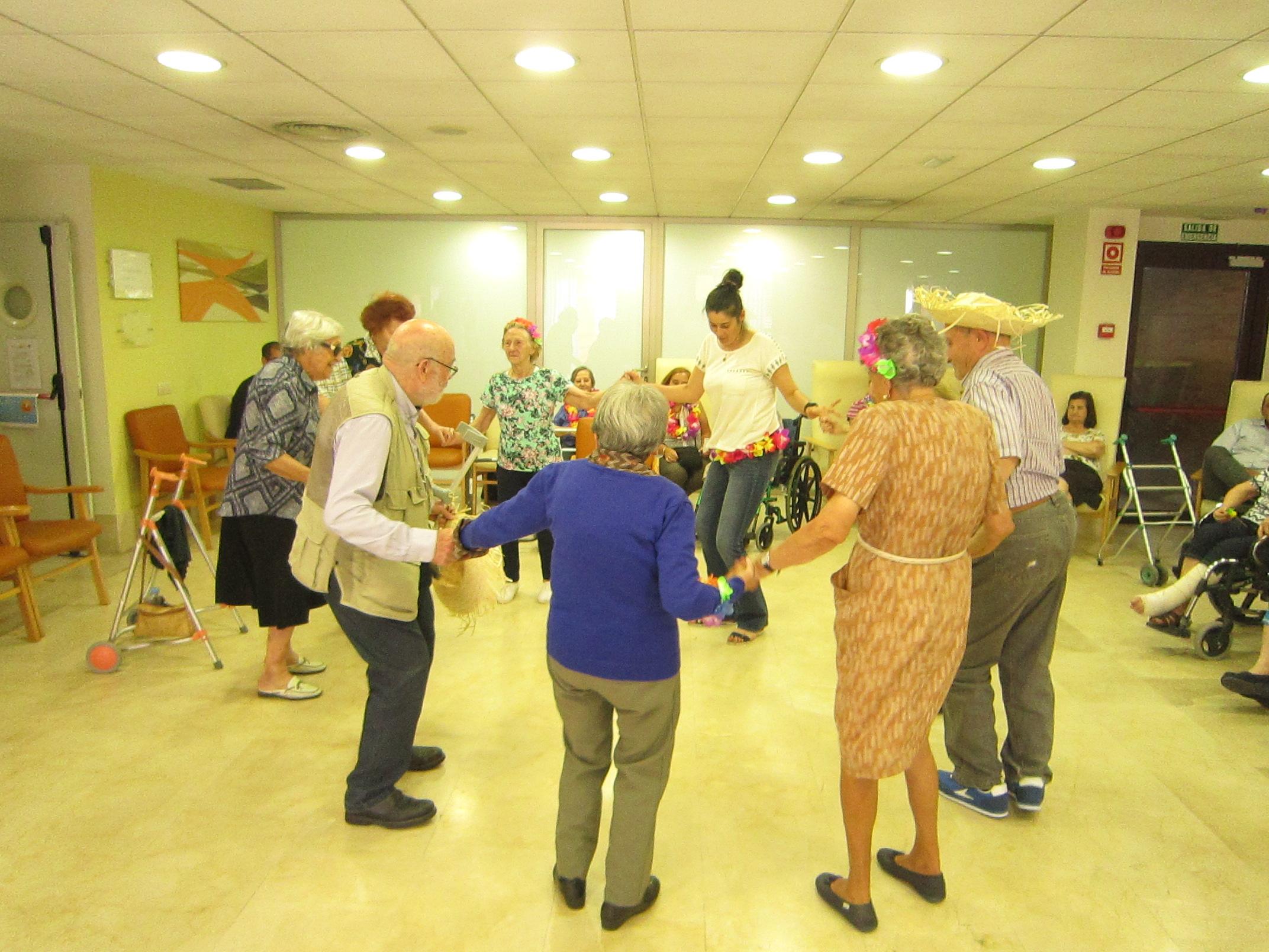 Fiesta Hawaiana en Rosalba Sevilla la Nueva
