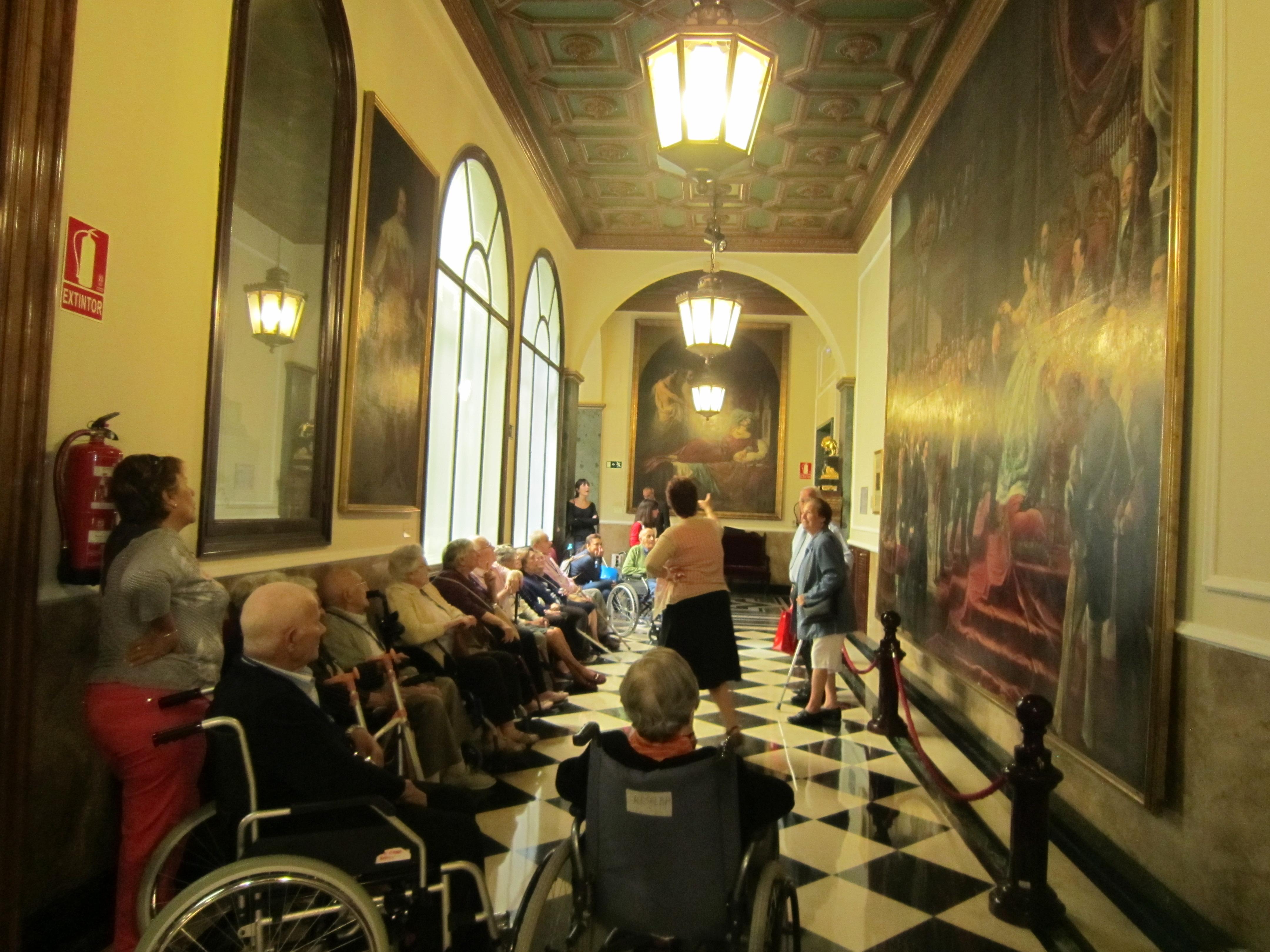 Los residentes de Rosalba Sevilla la Nueva visitan el Senado