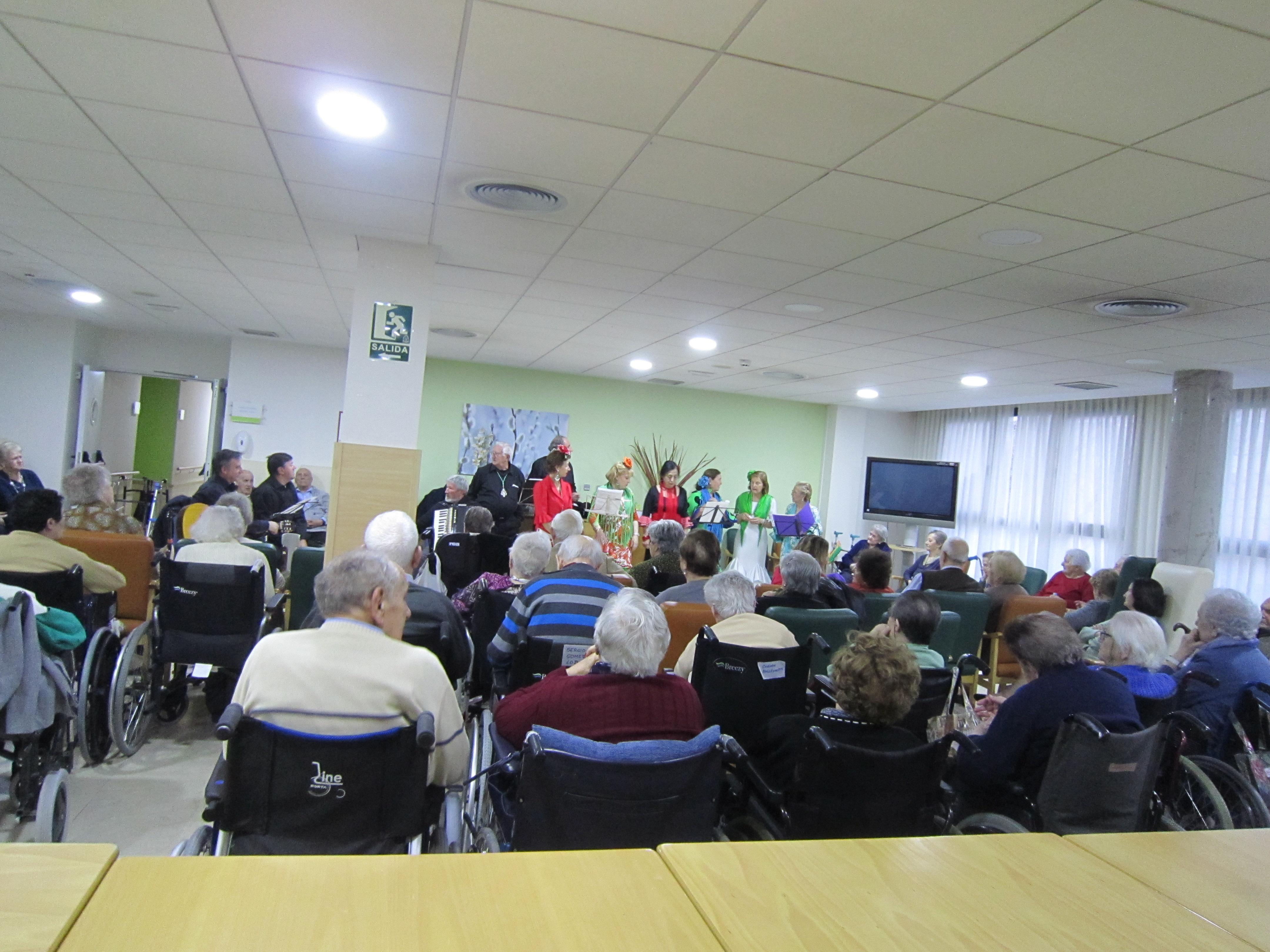 Actuación de un Coro Rociero en Rosalba Sevilla la Nueva