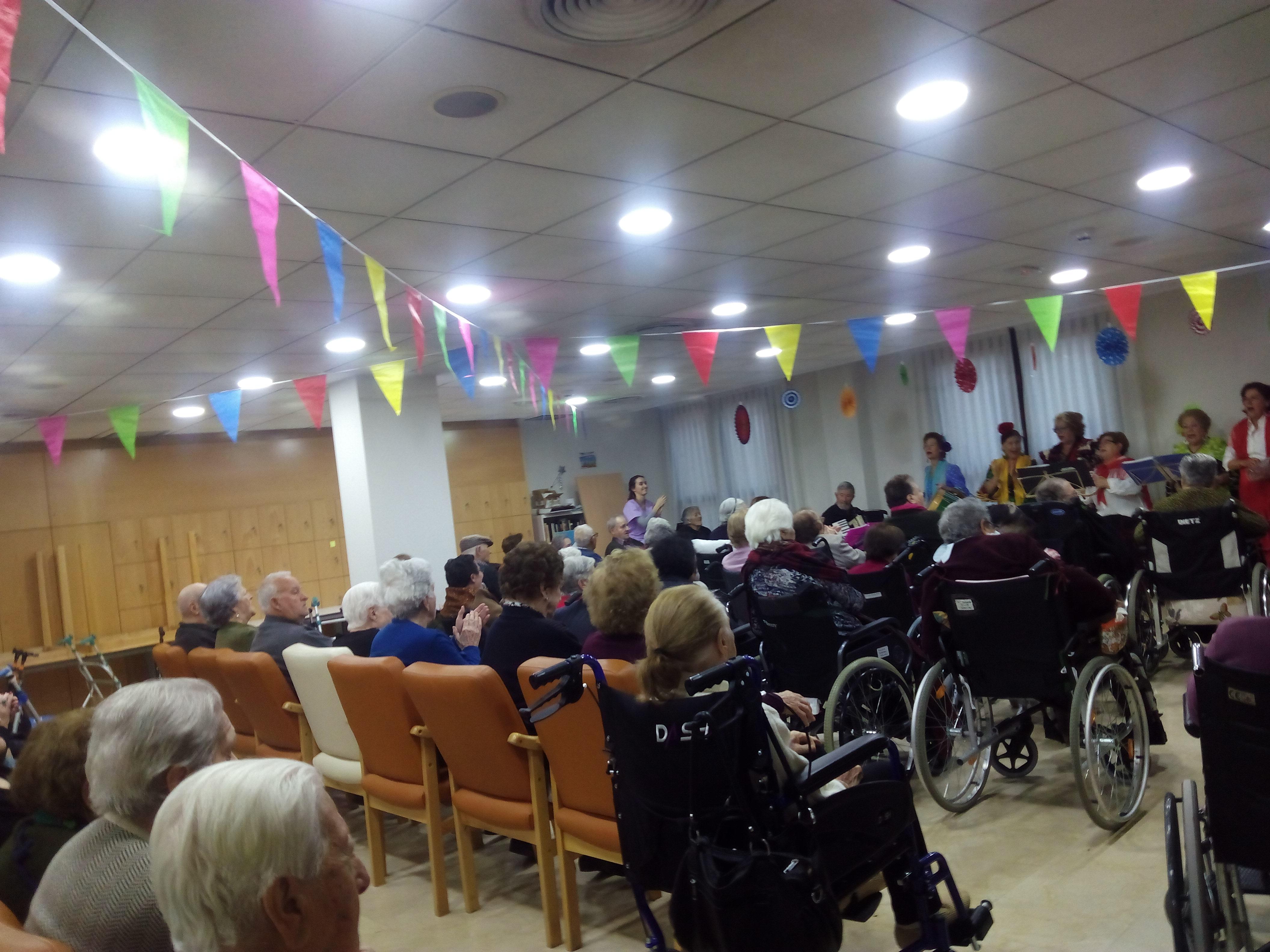 Actuación de Coros Flamenco y Rociero en Rosalba Sevilla la Nueva