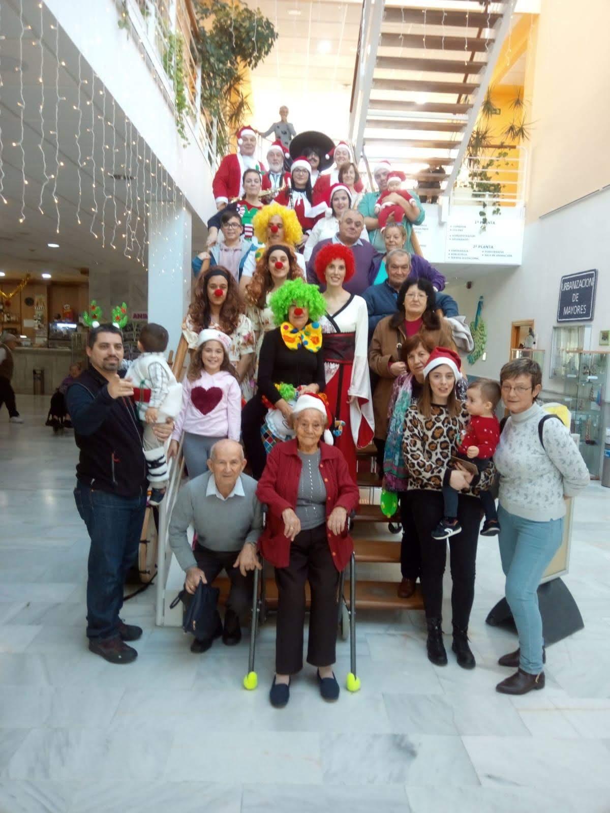 Urbanización de Mayores celebra la Navidad