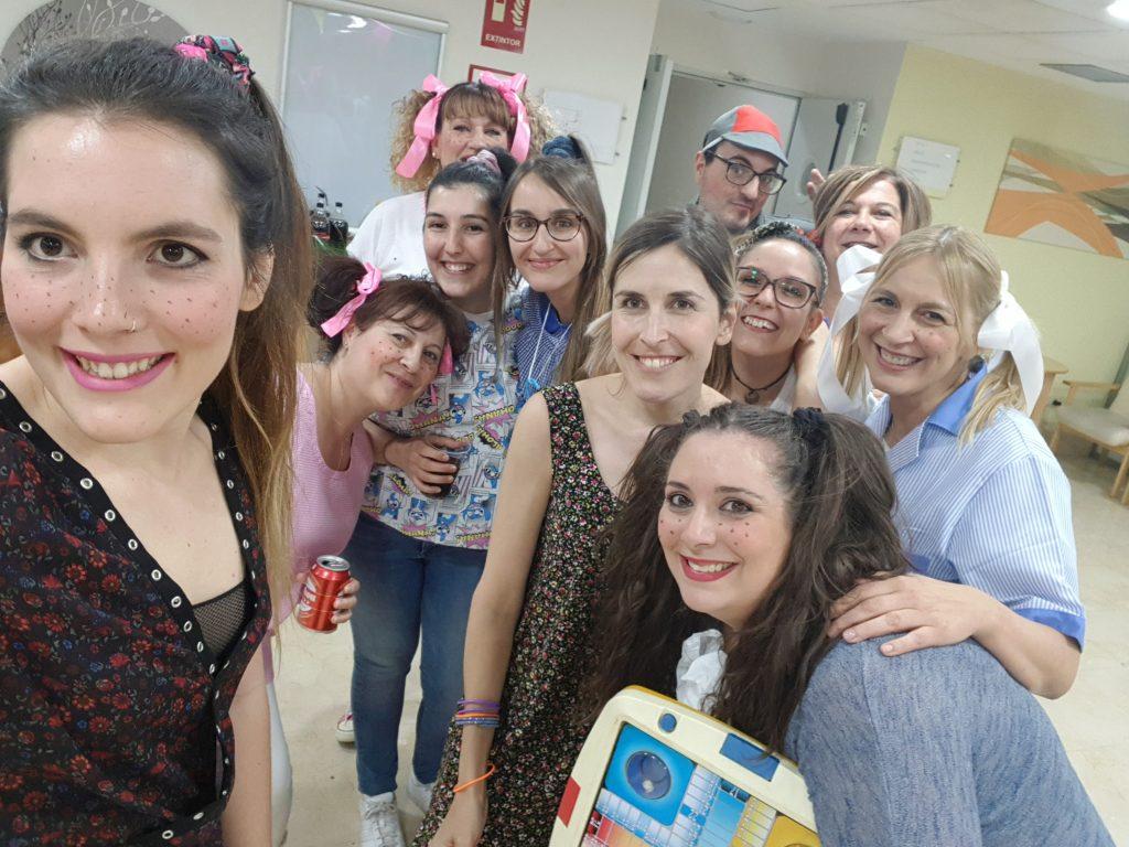 El Personal de Rosalba Sevilla la Nueva celebra la llegada del Verano con una Divertida Fiesta
