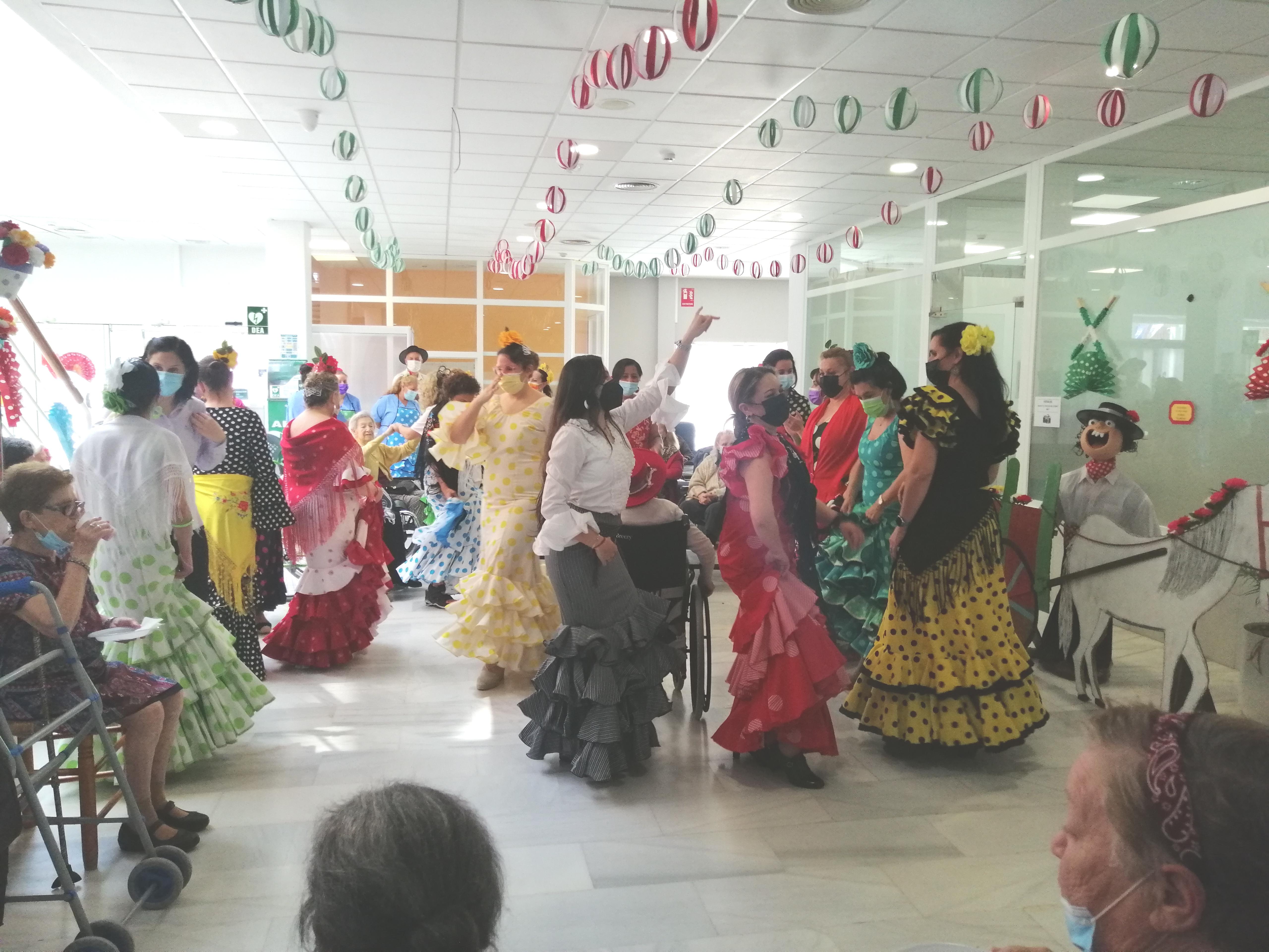 ¡En Urbanización de Mayores celebramos la Feria de Abril!