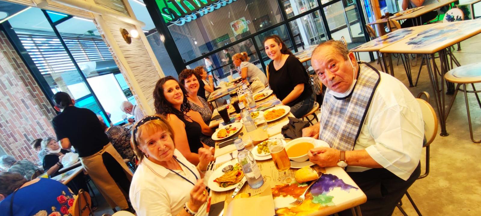 Salida al cine y comida en el centro comercial Xanadú